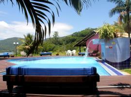 Chalés Saint Germain, villa in Florianópolis