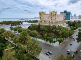 Apartment with F1 and Caspian Sea view, hotel perto de Estação de trem de Baku, Baku
