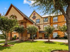 Best Western PLUS Hobby Airport Inn and Suites, hotel near William P. Hobby Airport - HOU,