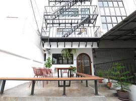 Apartment45 Hostel, hostel in Bangkok