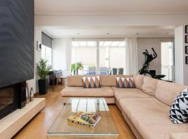 Luxury Apartment in Glyfada, accessible hotel in Athens