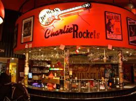 Charlie Rockets Youth Hostel, hotel in Bruges
