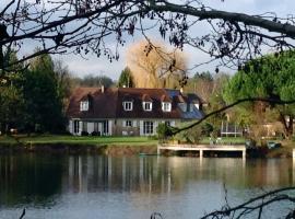 La maison du lac, self catering accommodation in Auvers-sur-Oise