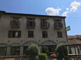 Hotel Panoramico, hotell i Corfino