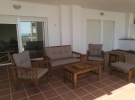 Apartamento cercano a la playa con gran terraza, apartment in Torre de Benagalbón