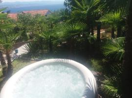 Apartment Pev Opatija, Large, Quiet Location, 500m From Sea, hotel with jacuzzis in Opatija