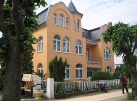 Hotel Villa Strandrose, hotel near St Peter Apostle Church, Ahlbeck