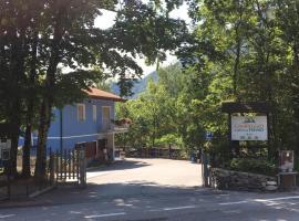 Campeggio Lago di Tenno, glamping site in Tenno