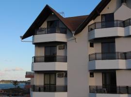 Bomar Residence, hotel near Lagoon Beach, Bombinhas