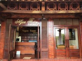 Ngoc Toan Hotel, khách sạn ở Ðồng Hới