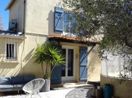 Maison jardin grande piscine, hotel near Parc du Roy d'Espagne, Marseille