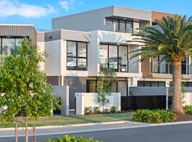 The Residences at The Peninsula, hotel near Coomera Indoor Sports Centre, Gold Coast