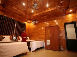 Sky Hotel, hotel in Phong Nha