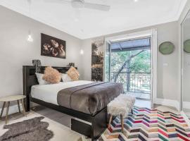 142 Wyndham, guest house in Sydney
