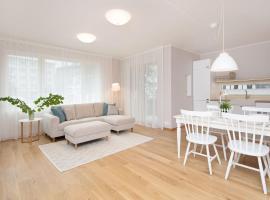 Tallinn City Center, brand new apartment + free parking, hotel near Kadriorg Art Museum, Tallinn