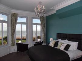 Pebble Beach B&B, hotel near Shinewater Park, Eastbourne