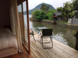Waterside Cottage Heron, hotel in Kyotango