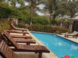 Pousada Chalé da Matriz, hotel with pools in Jericoacoara