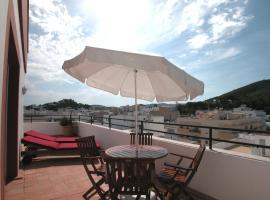 Apartamentos Ebusus, hotel near Santa Eulalia Bus Stop, Santa Eularia des Riu
