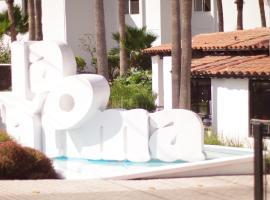 La Paloma Beach&Tennis Resort, hotel in Rosarito