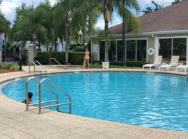 Lucaya Village, hotel near Disney's Magic Kingdom, Orlando
