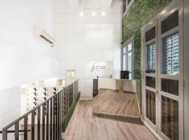 Eighteen By Three Cabins (SG Clean), capsule hotel in Singapore