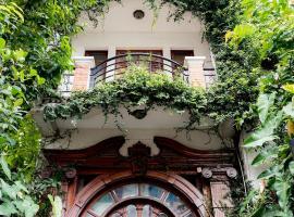 Ba Tra House, hotel near Tan Dinh Market, Ho Chi Minh City