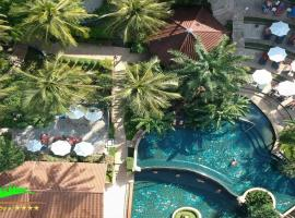 Karona Resort & Spa, hotel in Karon Beach