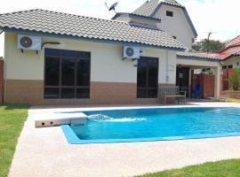 Villa with Private Swimming Pool, villa in Malacca