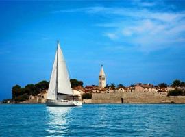 Guest House Torci 18, hotel in Novigrad Istria