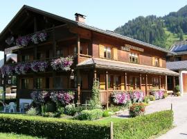 Ferienbauernhof Moosbrugger, hotel in Schoppernau