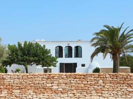 Safragell Ibiza Suites & Spa, spa hotel in Sant Llorenç de Balafia