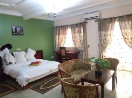 Hotel Vallee des Rois, hotel in Douala