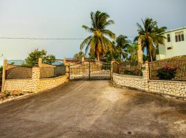 Sunshine Lodge: Your home away from home, accessible hotel in Montego Bay