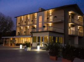 Infinity, hotel in Cervia