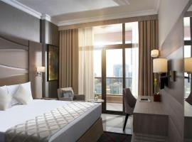Two Seasons Hotel & Apartments, hotel near University of Wollongong in Dubai, Dubai