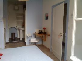 Chambre Saint-Sauveur, hotel cerca de Château Gaillard, Les Andelys