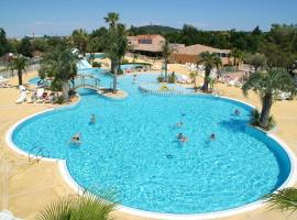 Le Camping les Champs Blancs, hôtel à Agde