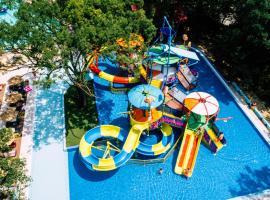 Dolce Vita Sunshine Resort All Inclusive - Free Aquapark & Beach, hotel in Golden Sands