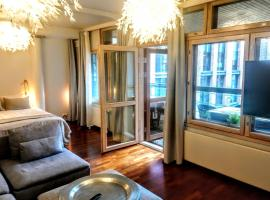 Superb Location + Silence + Sauna, apartement Helsingis