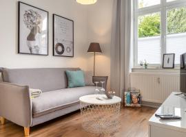 Renoviertes Apartment mit Netflix & Boxspringbett, hotel near GOP Varieté-Theater, Bad Oeynhausen