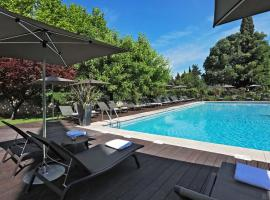 Le Prieure, hotel near Grand Avignon Golf Course, Villeneuve-lès-Avignon