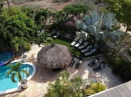 Bananas Apartments, appartement in Palm-Eagle Beach