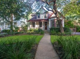 Brava House B&B, vacation rental in Austin