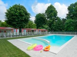 Camping Serenissima, glamping site in Malcontenta