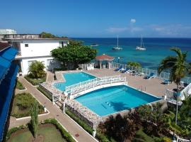 Hibiscus Lodge Hotel, spa hotel in Ocho Rios