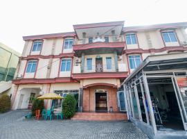 RedDoorz @ Jalan Diponegoro Lampung, guest house in Bandar Lampung