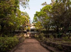 Dune Barr House - Verandah in the Forest, family hotel in Matheran
