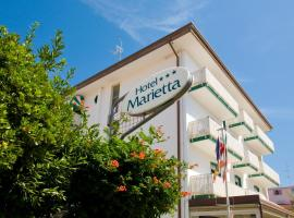Hotel Marietta, hotel poblíž významného místa Madonna dell'Angelo Sanctuary, Caorle