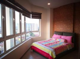 Octagon 16 Guest House, apartment in Ipoh
